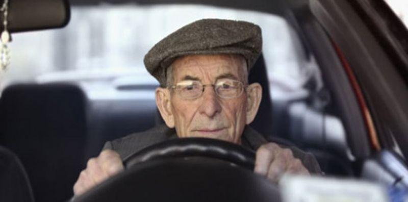 Anziani alla guida